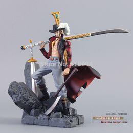 """Coleções de uma peça on-line-Frete Grátis Anime One Piece Drácula Mihawk Pvc Action Figure Coleção Toy 6 """"15 cm C19041501"""
