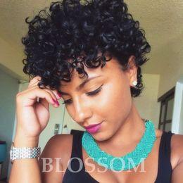 Parrucche frontali piccole online-Parrucca corta a maniche lunghe in pizzo con ricami africani, 130%, glueless, afro, crespi e frangetta per le donne nere
