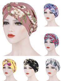 Sombrero de las mujeres islámicas online-Cabeza árabe Cap cáncer musulmana mujeres de la trenza Impreso elástico turbante sombrero de Chemo abrigo de la bufanda de la cubierta velo islámico Accesorios Pañuelos