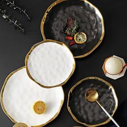 set di lusso di set da tè Sconti Cena Ceramica Gold Plate intarsio Snack Piatti Luxury Gold bordi del piatto da tavola di cucina Piatto Nero Bianco Vassoio Set da tavola