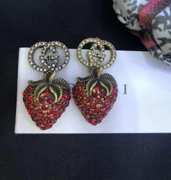fresa de diamante Rebajas Pendientes de diamantes de fresa mujeres declaración de diseño de lujo tachuelas rojas regalo de San Valentín joyería del encanto