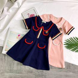 Canada Velours tissu bas robes vêtement pour enfants enfants princesse jupe dentelle corne manches broderie douce robe fille bébé supplier baby girl velvet dresses Offre