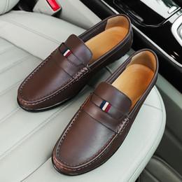 Diseñador de lujo para hombre de cuero genuino de gamuza transpirable mocasines zapatos de conducción casual zapato holgazán zapatos de traje de hombre zapatos de vestir shipp gratis desde fabricantes