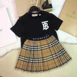 b09b19f156b0 Vestito da ragazza estate bambini coreani vestito in puro cotone manica  corta Twinset Nuovo modello in Will bambino lettera banda abito bambino set  di ...