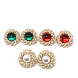 2020 pendientes de racimo para las mujeres Envío gratis Cute Pearl Cluster elegante Clip-on pendiente, diseño de moda aleación redonda dulce Clip pendiente para las mujeres pendientes de racimo para las mujeres baratos