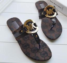 código de sandalias Rebajas Venta al por mayor 2019 Moda de alta calidad Europa y las sandalias de cuero de los Estados Unidos Nuevo ShoFlat tanga chanclas código 41 tamaño 42 zapatos desgaste