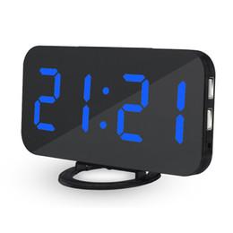 Vente chaude prix le plus basLED réveil numérique avec port USB pour chargeur de téléphone tactile Snooze horloge de table ? partir de fabricateur