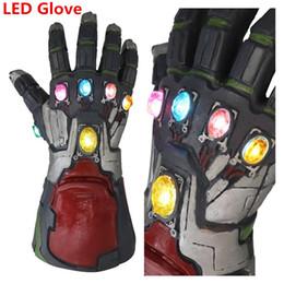 2019 scarafaggi di plastica Avengers 4 Endgame Thanos Iron Man LED Guanti luminosi 2019 Nuovi bambini Halloween cosplay Lattice naturale Infinity Gauntlet Giocattoli C22