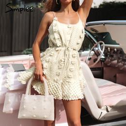 Broderie florale élégante en Ligne-Simplee Elegant fleur broderie femmes robe courte Sexy spaghetti strap robe d'été en dentelle Solide lace up femme casual dress 2019