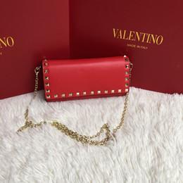 Bolsos de diseño rojo negro online-Bolso de marca bolso de cadena de remache encantador bolsos de las mujeres bolso Bolsos famosos del diseñador Bolsos de las señoras Monedero de la manera Polvo negro y rojo
