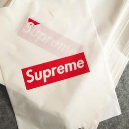 2020 sacos de plástico para embalagens de vestuário Sup Pacote de Compras Sacos para a roupa Sacos de mão Tamanho Médio 30 * 40cm embalagem fácil Bags Luz -Peso de plástico Em armazém sacos de plástico para embalagens de vestuário barato