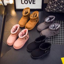Botas longas de meninos on-line-2018 Botas de neve sólida para meninas e meninos com pelúcia longa, Sapatos de inverno para crianças, tamanho 25-33, rosa, preto, cinza, marrom