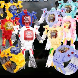 diapositivas de plástico para niños Rebajas Nuevo 2019 De los niños creativo deformación reloj despertador reloj de dibujos animados luz historia máquina juguete robot deformación coche