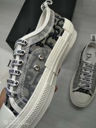 Крышка кроссовок онлайн-2019 Новая модель Мода и качество в 2019 году Дизайнер Женщины Свободное время Кроссовки Дамские девушки Тканевый чехол Повседневная обувь 6 цветов Женская обувь