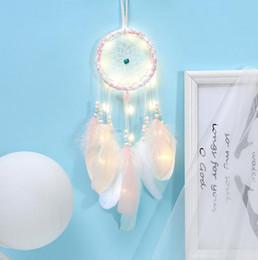 ornamento da pena Desconto Dream Catcher Dreamcatcher LEVOU Menina de Iluminação Quarto Sino Quarto Penas Românticas Ornamentos Pendurado Decoração DLH162