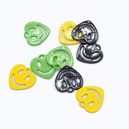100 unids / lote superficie de pintura en forma de corazón Smiley Face Charms colgante para la pulsera del collar joyería que hace accesorios 15 * 15 mm desde fabricantes
