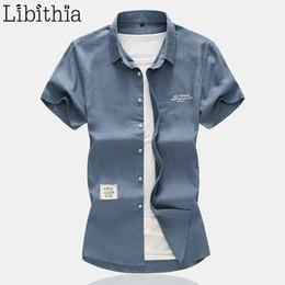 Ropa de lino blanco negro online-Para hombre camisas de lino ocasionales de verano de gran tamaño 7XL manga corta hombres camisa social estándar blanco negro caqui azul gris ropa masculina A36