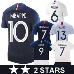 88a66e3c93a63 maillot France 2018 world cup champions maillot de foot avec la 2 me étoile  Soccer Jersey Nouveau 2018 GRIEZMANN MBAPPE Coupe du Monde Maillots POGBA  KANTE ...