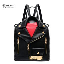 2019 mochila punk negro rojo Diseño único de ropa Mujer Mochilas de cuero Hombro de viaje femenino Bolso de escuela de las mujeres sac principal femme de marque luxe cuir 2018