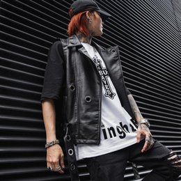 Chaleco de piel sintética online-Primavera verano hombre hip hop chaleco de cuero punk slim fit sin mangas chaqueta hombres motociclista motocicleta casual faux cuero gilet homme