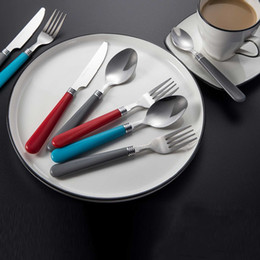 Set de cuchillos tenedor de frutas online-48 Unid / set Acero Inoxidable Tenedores Cuchillos Comida Postre Fruta Té Cena Tenedor Filete Cuchillo Vajilla Cubiertos Set Vajilla
