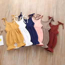 vollfarbiger neugeborener Rabatt Neugeborenes Baby Normallackspielanzug Kleinkindriemen Overalls Sommer Rüschen 2019 einteilige Kinder, die Kleidung 6 Farben C6317 klettern