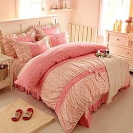 Ropa de cama princesa moderna online-Juego de ropa de cama de hadas con estampado de lunares de color rosa dulce, juego de sábanas de cama con doblez coreana delicada, ropa de cama de princesa para niñas modernas