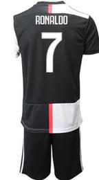 Fußballtraining einheitlich online-Maßgeschneiderte Trainingsfußballtrikots für 19 bis 20 Männer mit Shorts und Uniformen