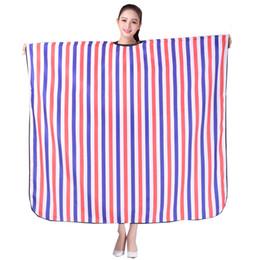1 unids Delantal de Peluquería Profesional de Corte de Pelo de Impresión de La Flor de Cabo Peluquero Styling Salon Camps Peluquería Wrap Cloth desde fabricantes