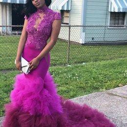 Cor gradient vestido de baile on-line-2019 Sexy Gradiente cor Fúcsia Rendas sereia Prom Dress sheer Keyhole alta pescoço sem encosto até o chão formal celebridade noite vestido de festa