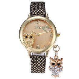 Vestido de coruja on-line-Moda pequena coruja fina pingente de diamante amor coração padrão relógios de couro das senhoras das mulheres de lazer casual vestido de quartzo relógios de pulso