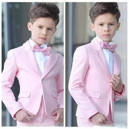 casamento vermelho do laço da camisa preta Desconto Novos Populares Pink Boys Ocasião Formal Smoking Pedaço Lapela Crianças Tuxedos de Casamento Criança Partido Holiday Blazer Terno (Jacket + Pants + Tie) 90