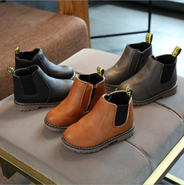Botas de neve velhas on-line-2018 novo inverno menino botas de neve quente sapatos de pele 1 além de veludo 2 meninas 3 crianças 4 bebê inverno seção 5 sapatos de algodão 0-6 anos de idade
