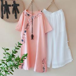 2019 cinese tradizionale fiore ricamo mezza manica breve cheongsam abiti da sera qipao cheongsam moderno cotone e lino cheap modern linen dresses da abiti di lino moderni fornitori