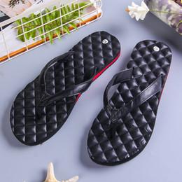 обувь больших размеров продажа Скидка Горячая распродажа Большие пляжные туфли Шлепанцы Сандалии противоскользящие и износостойкие Дизайнерские тапочки Проверьте бриллиантовый массаж Шлепанцы Размер 40-43