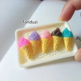 mestiere Tanduzi 100pcs all'ingrosso cibo di simulazione 3D gelato carino 1:12 casa delle bambole in miniatura accessori di decorazione della resina da