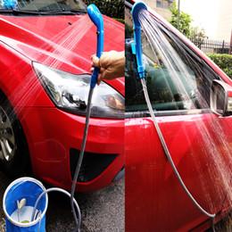 2019 12v pompa acqua portatile 12 V Car Washer portatile Camping Doccia set USB auto doccia DC 12V pompa pressione esterna viaggio Caravan Van secchio d'acqua sconti 12v pompa acqua portatile