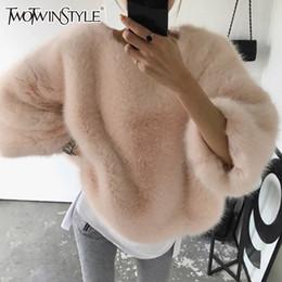 Sudadera de piel mangas online-TWOTWINSTYLE Faux Fur Pullover Tops Mujer O cuello de manga larga sudadera de las mujeres Warm Plus Thick Fashion 2018 Otoño Invierno