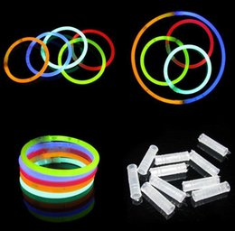 200mm parti sticks Kızdırma Sopa Bilezik Kolye Neon Parti Yanıp Sönen LED Işık Çubukları Değnek Yenilik Oyuncak LED Vokal Konser S ... nereden
