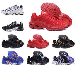 Chaussures lumineuses en Ligne-Respirant Léger Chaussures d'escalade Pour Hommes Femmes Smokey Mauve String Colorways Olive En Métallique Triple Entraîneur Escalade Sport Baskets 2019