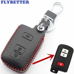 chave cobre rav4 Desconto FLYBETTER Genuíno Couro 3 Botão Entrada Keyless Tampa Da Caixa Chave Inteligente Para Toyota Tacoma / Cruzeiro Terrestre / Prius / RAV4 Car Styling L46