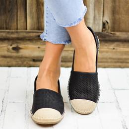 2019 мягкие каблуки Дышащие натуральная кожа Осень обувь женщина Nice Flat Low каблук выдалбливают кожа скольжения на обувь для женщин Soft Flat дешево мягкие каблуки