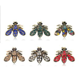 rhinestone brooches for sale Coupons - Hot Sale New DIY Rhinestone Encrusted Lapel Shirts Pins Clear Crystal Cartoon Bees Brooches Jewelry Gift for Men Women