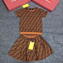 Conjunto de faldas coreanas online-Vestidos de prendas de vestir vestido de niña que hace punto del suéter de la falda de los niños de Corea para niños juegos de otoño de las muchachas Ropa de los niños de lujo escenógrafo