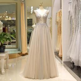 2019 marcher à côté de vous gris robes de soirée champagne transparente Empire taille perles une ligne profond col en V avec soutien-gorge de bal robe de soirée ? partir de fabricateur