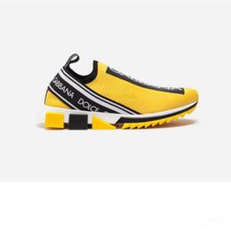 Zapatos de goma stretch tejido online-Hombres de marca Tejido elástico Jersey Sorrento Slip-on Zapatillas de deporte Moda Mujeres Estampado de letra Extra ligero Caucho Micro Suela Zapatos ocasionales