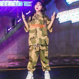 2019 vestiti di ballo dei capretti Modern Girls Hip Hop Jazz Street Dance Costume Abito mimetico Tuta da ballo per bambini Abbigliamento per bambini Costumi per spettacoli DL2021 vestiti di ballo dei capretti economici