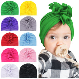 Мода девушки cockscomb тюрбан 10 цветов сплошной цвет дети милые ткани шапочка гребень cap 19x17cm supplier fabrics for caps от Поставщики ткани для шапок