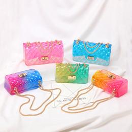 Borse trasparenti di colore online-buona qualità Trasparente colorato trasparente Jelly Bag Gradient Candy Color Crossbody Borse Progettato Signore tracolla a catena Messenger Bag