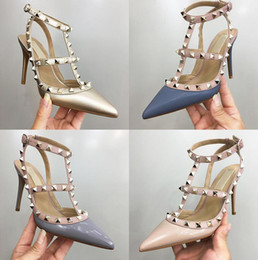 2019 sandalias romanas de la boda Envío gratis mujer fiesta moda remaches zapatos chicas sexy punta estrecha Tacones altos sandalias romanas con un solo zapatos zapatos de boda sandalias romanas de la boda baratos